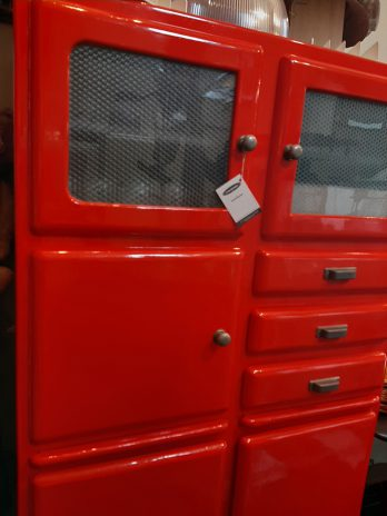 Meuble rouge 28665965